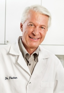 por el Dr. Dan Fischer Fundador y Presidente Ultradent Products, Inc.