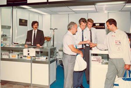 40-year-blog-drfischer-early-tradeshow.jpg